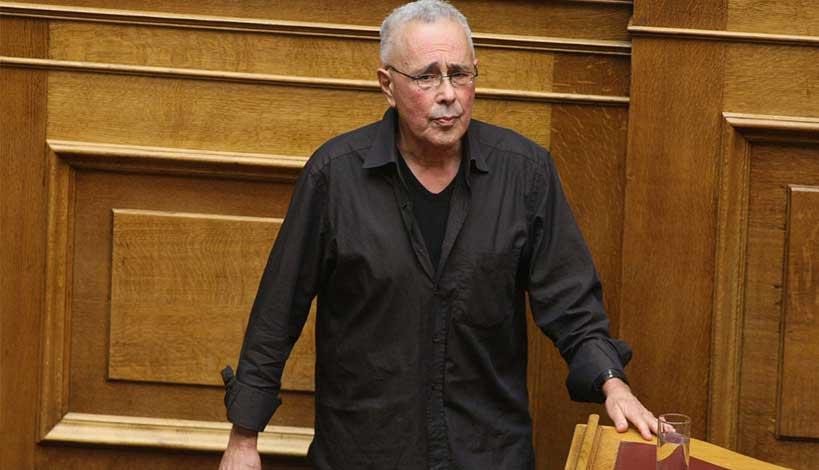 Υπέβαλε την παραίτηση του ο Κώστας Ζουράρις στον πρωθυπουργό μετά τις δηλώσεις για Ολυμπιακό και Άρη (βίντεο)