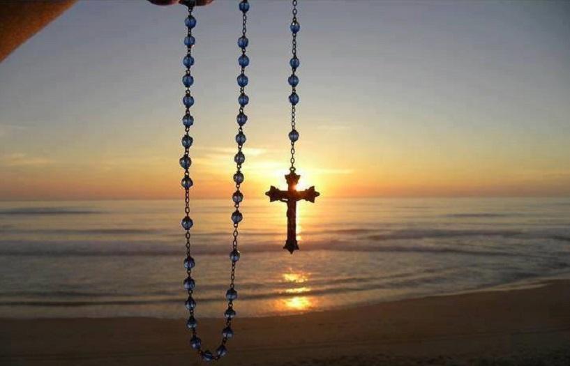 Χωρίς σταυρό, κανείς δεν πάει στον παράδεισοΧωρίς σταυρό, κανείς δεν πάει στον παράδεισο