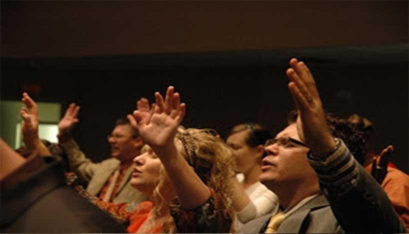 Πεντηκοστιανοί : Ένας κακόδοξος τρόπος προσευχής