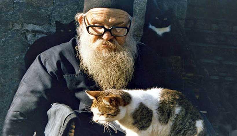 Άγιον Όρος: Πάτερ Γελάσιε, εάν έχει ευλογία, πέστε μου, πότε και γιατί αποφασίσατε να γίνετε Μοναχός;