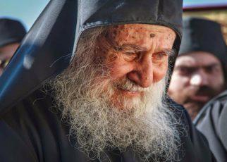 Άγιον Όρος - Γέρων Ιωσήφ ο Βατοπαιδινός: Δεν θα πάψω να χτυπώ την πόρτα - ΟΧΙ ΣΤΗΝ ΑΠΕΛΠΙΣΙΑ ΤΟΥ ΔΙΑΒΟΛΟΥ