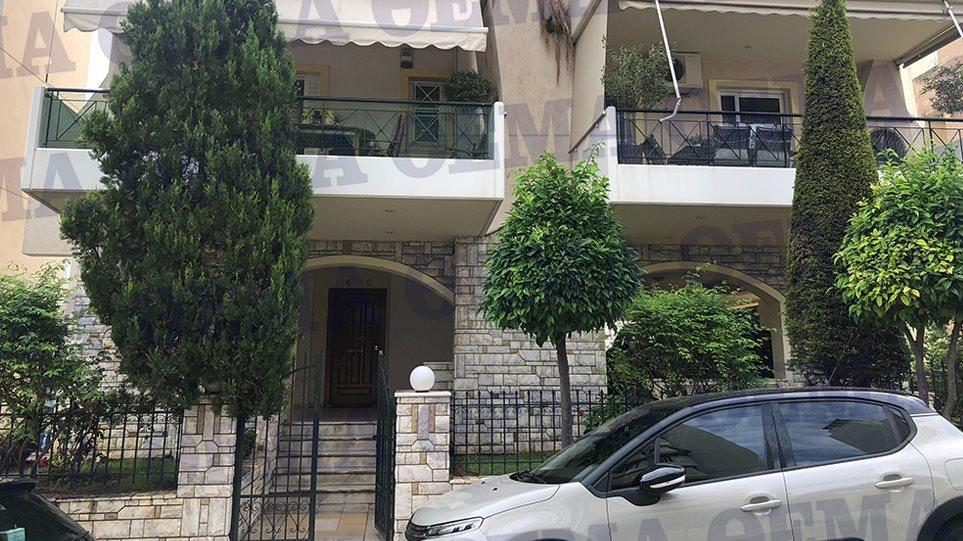 Σε αυτό το διαμέρισμα στον Αλιμο κρυβόταν ο Αρτέμης Σώρρας