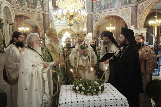 Αρχιεπίσκοπος Ιερώνυμος: Ο Σταυρός μας ανακουφίζει και δίνει νόημα στην ζωή μας