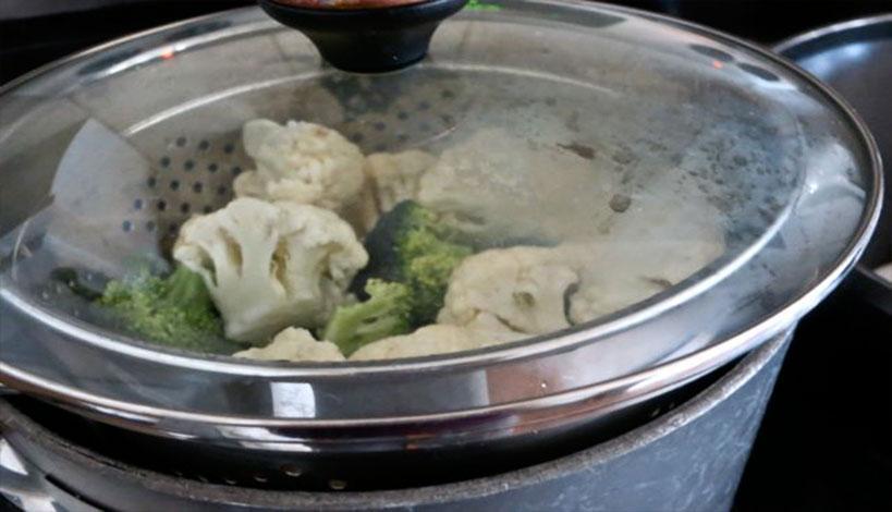 Πώς σας ωφελεί το μαγείρεμα στον ατμό