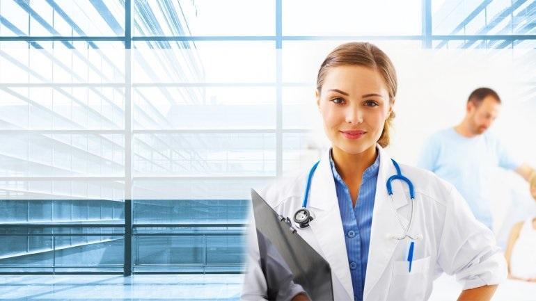 Οικογενειακός γιατρός: Κανονικά η πρόσβαση στις υπηρεσίες περίθαλψης για όσους δεν εγγραφούν