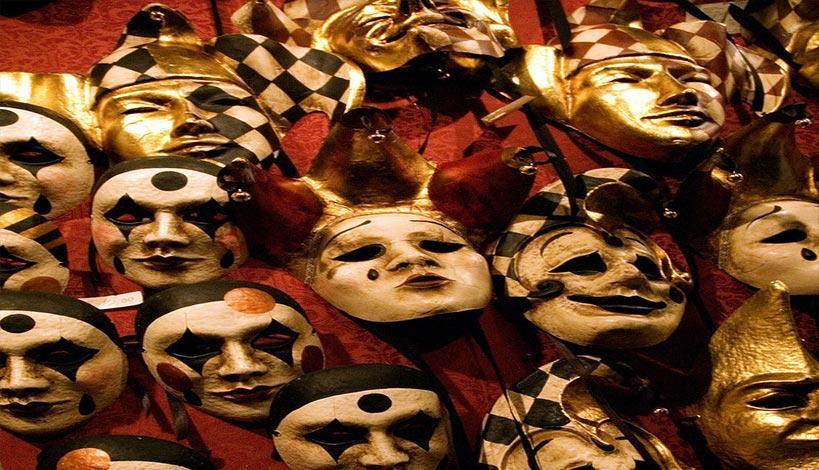 π. Σπυρίδων Σκουτής : Δεν πειράζει να ντυθείς καρναβάλι...δεν πειράζει δεν τα βλέπει αυτά ο Χριστός